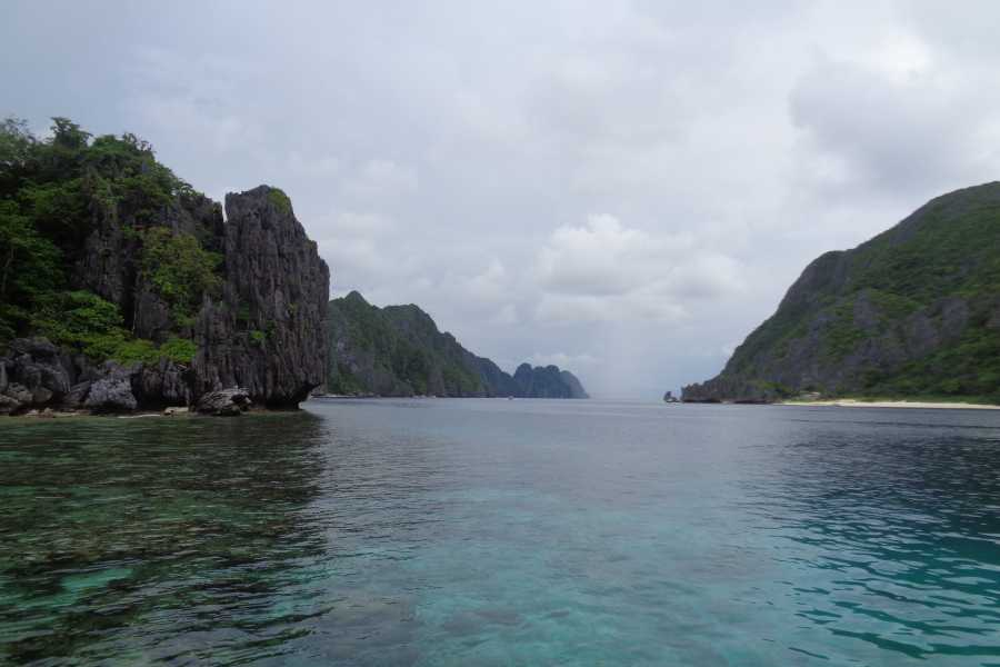 WORLD HOLIDAY TRAVEL AND TOURS Best of Palawan 7 days : 3 cities