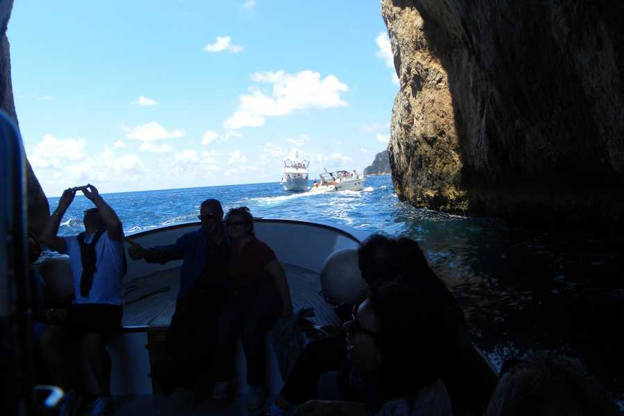Campania Food & Travel Tour Privato di Capri in Motoscafo e Visita Guidata