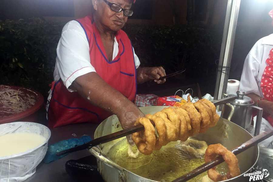 Exquisito Perú Historic Center' Street Food Night Tour