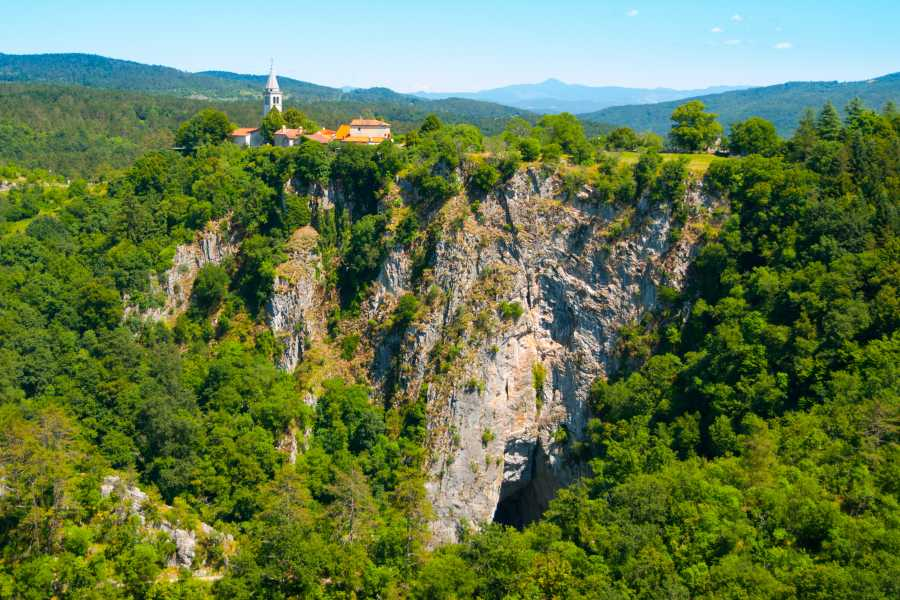 ToDoInSlovenia, brand of Kompas d.d. Private tour to Škocjan Caves & Karst region - Secrets of Unesco Heritage