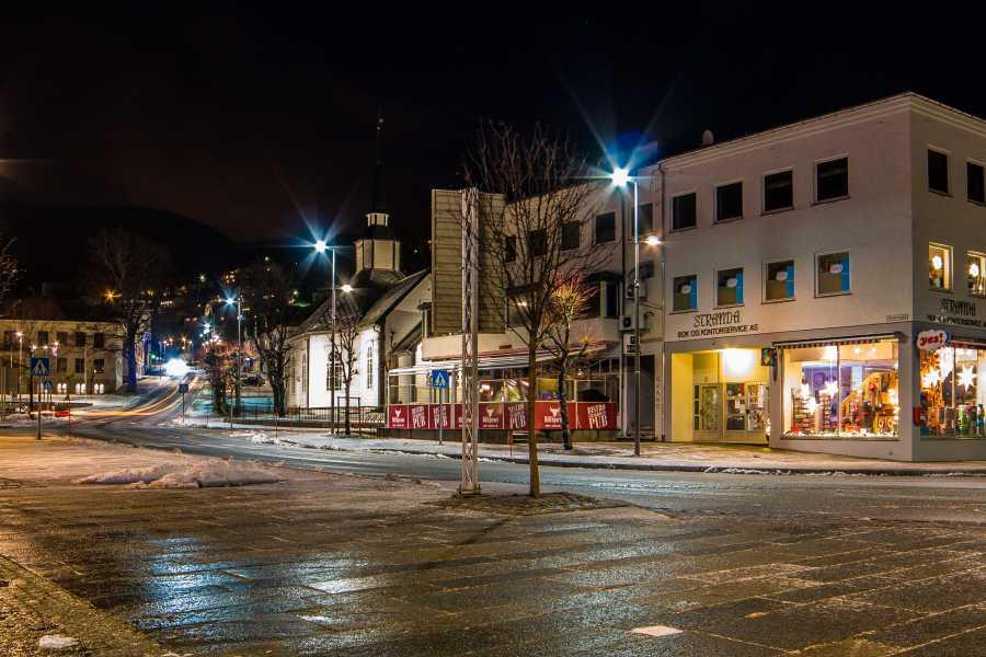 Villa Lovise Guidet tur i Stranda sentrum - ekte fjordliv