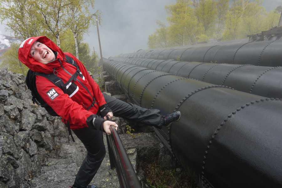 Stana Gard Trolltunga, kayacking, and Glacier-tour.