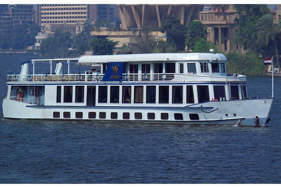 EMO TOURS EGYPT CAIRE CROISIER AVEC DANSEUSE ORIENTALE MONTRER