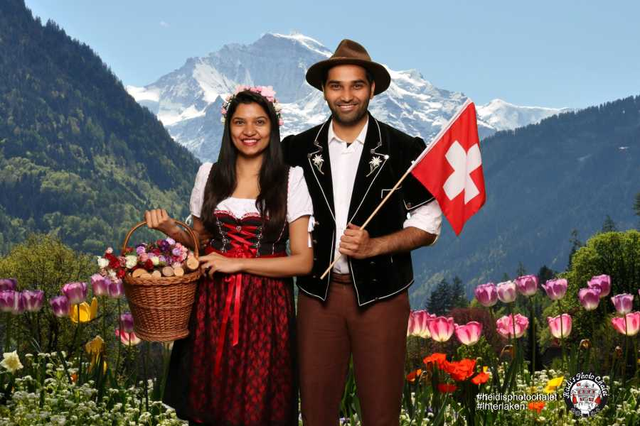 Heidi's Photo Chalet Swiss traditional photos - get your unique souvenir
