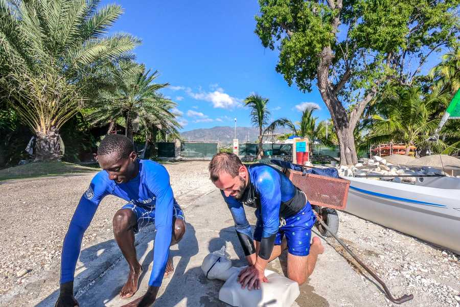 Marina Blue Haiti Emergency First Responder course
