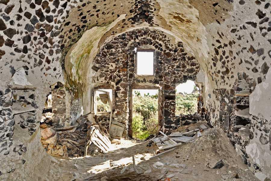 Grekaddict Discover Thirassia Tour from Santorini