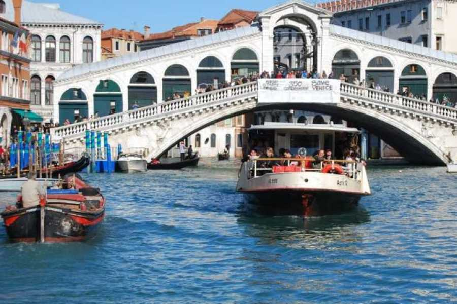 Venice Tours srl COMBO 14: BASILICA DORADA + TOUR PANORAMICO + CANAL GRANDE SELF-GUIDED TOUR