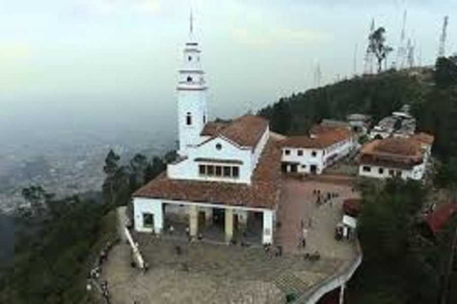 Medellin City Tours GOLD MUSEUM AND MONSERRATE PRIVATE HALF DAY TOUR
