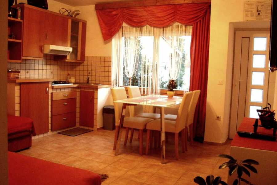HungaroRaft Kft Apartment Norma***