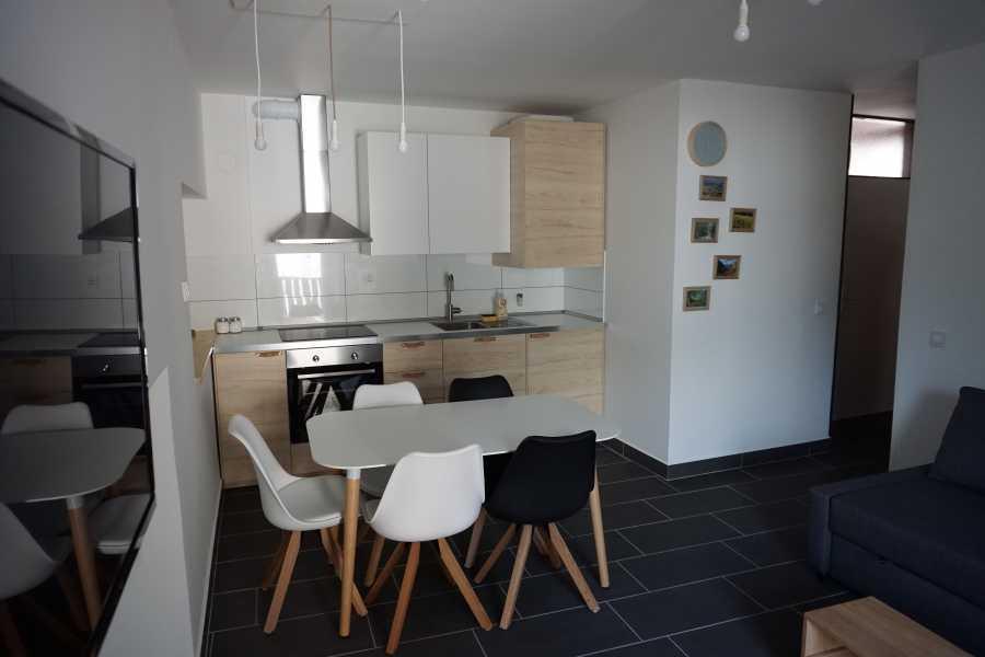 HungaroRaft Kft Kot 44. Apartments***