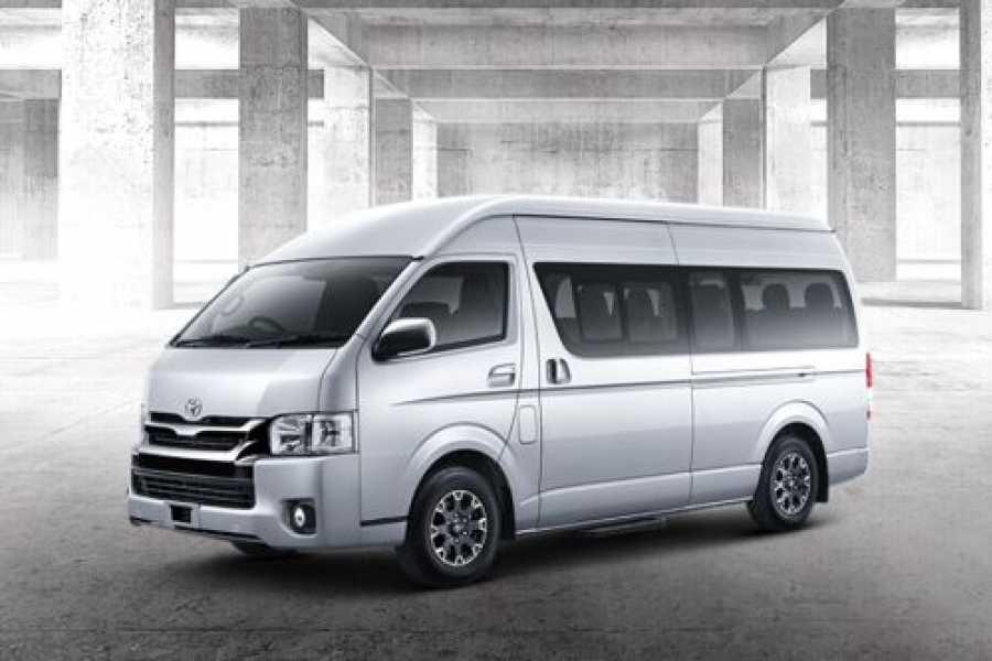 Tour Guanacaste On-Line Toyota Hiace 16 Seat Van Rental Costa Rica