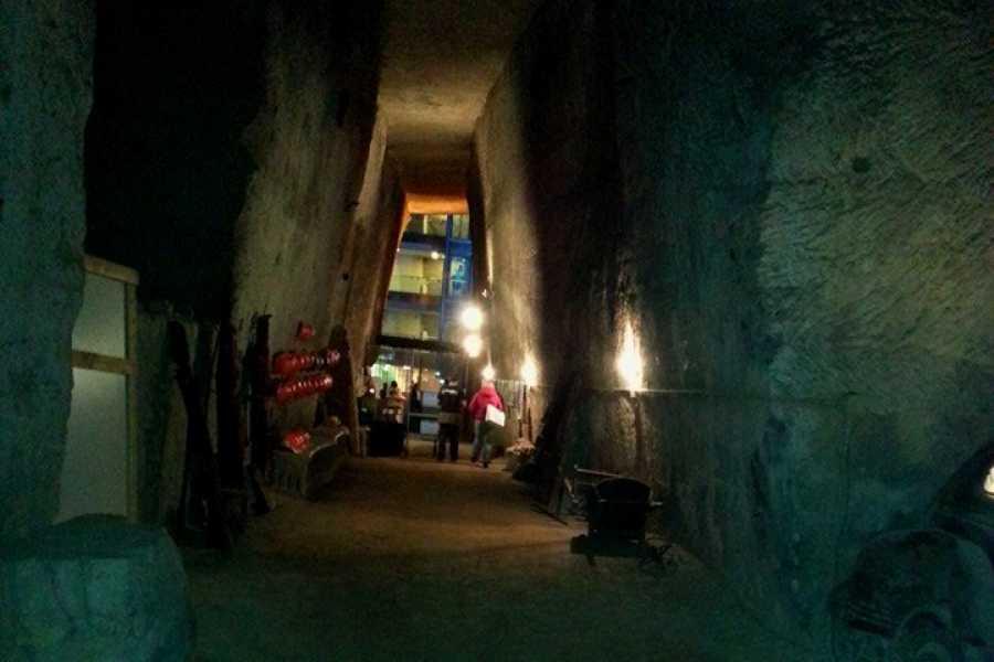 Campania Food & Travel Napoli Medievale e la Galleria Borbonica