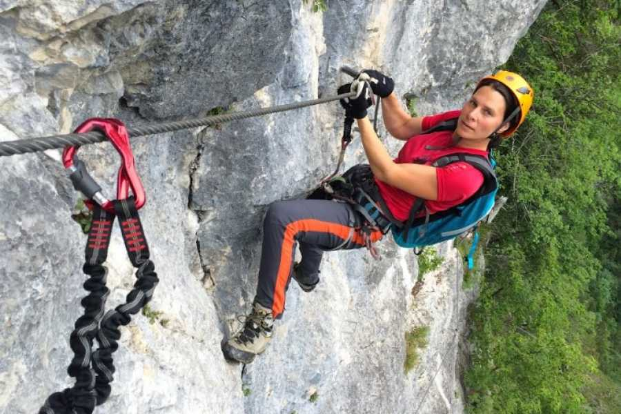 Turistično društvo in Center gorskega vodništva Rent Via Ferrata Equipment