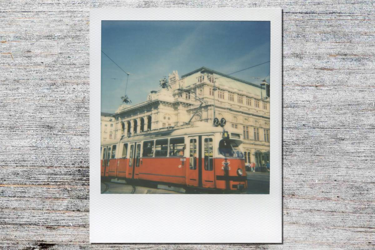 Sophort Polaroid Photo Tour Vienna - Winter Classic