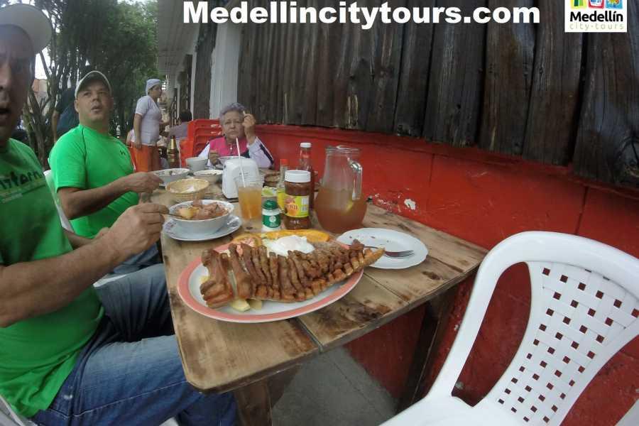 Medellin City Services TOUR COMPARTIDO DE GASTRONOMÍA TRADICIONAL
