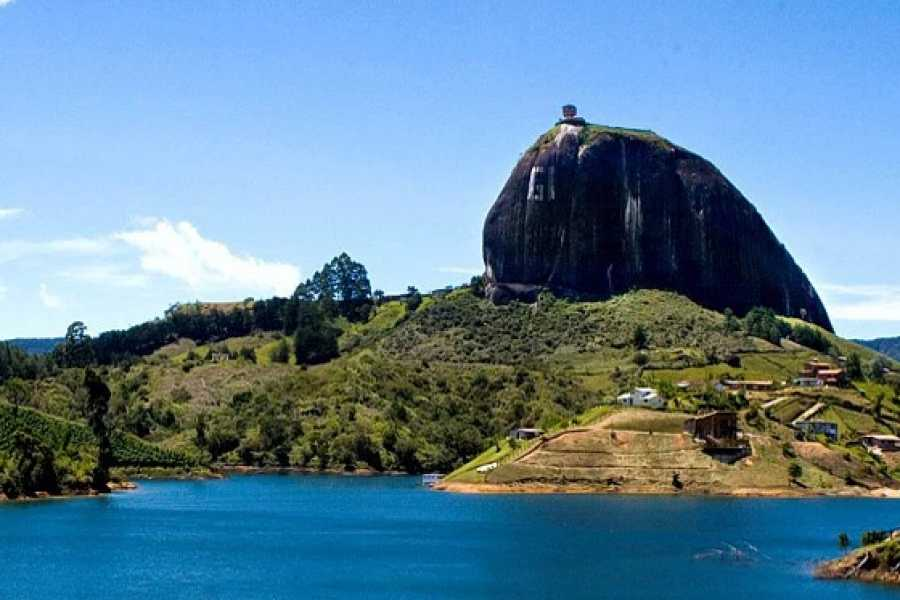 Medellin City Services Tour Privado a Guatape & Peñol