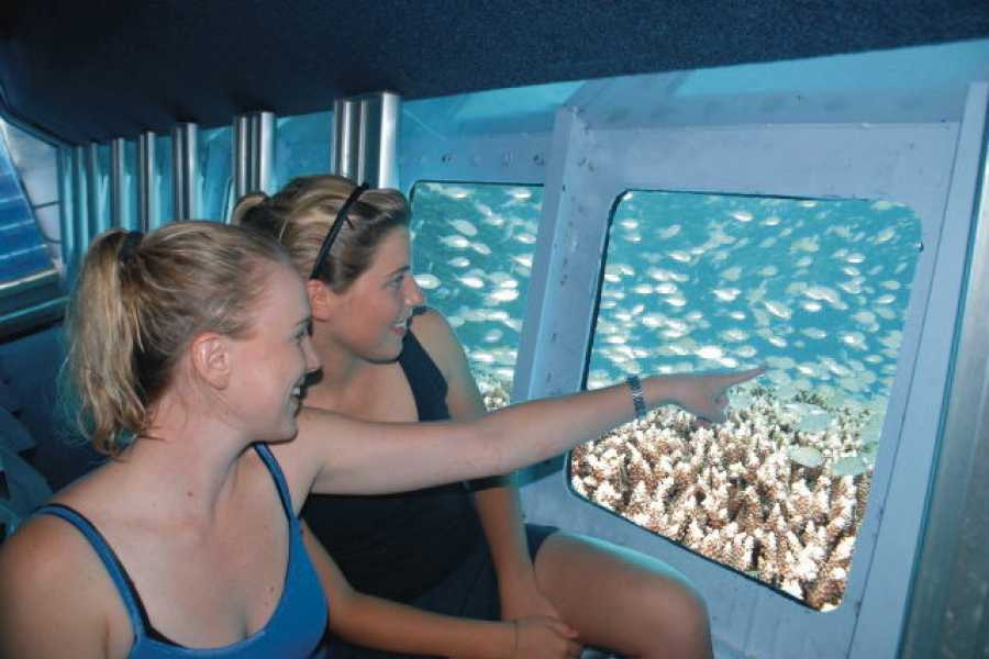 Excursies Egypte Two hours Trip by Semi-Submarine from Hurghada