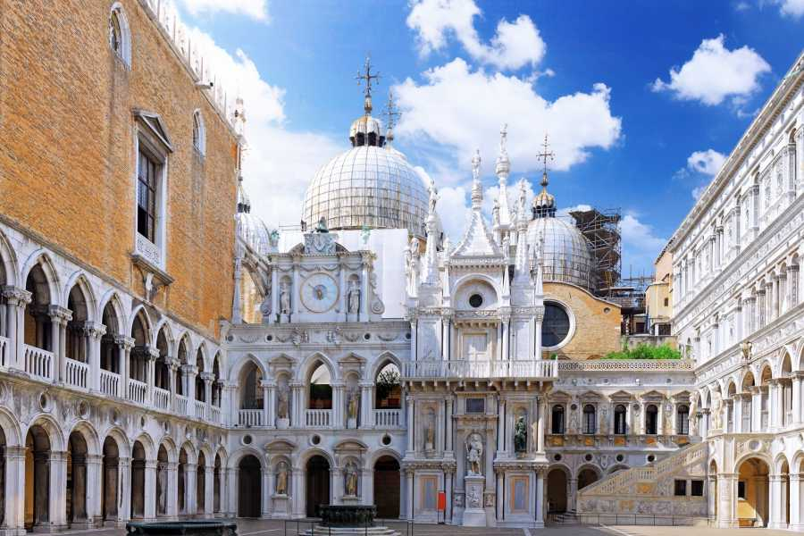 Venice Tours srl SKIP THE LINE: Walking Tour of Venice and the Doge's Palace.E