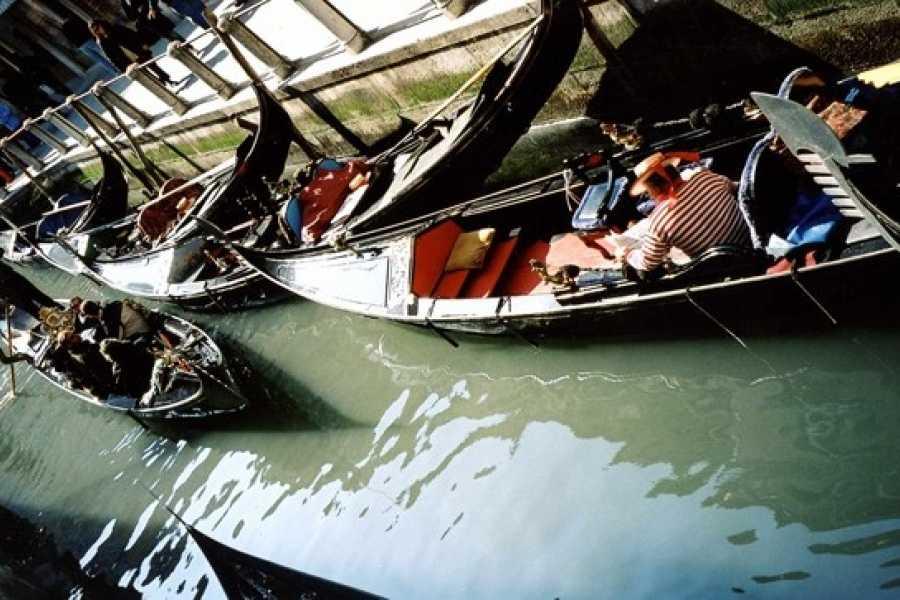 Venice Tours srl SPECIAL OFFER! COMBO TOUR - Gondola Ride + The Golden Basilica.E