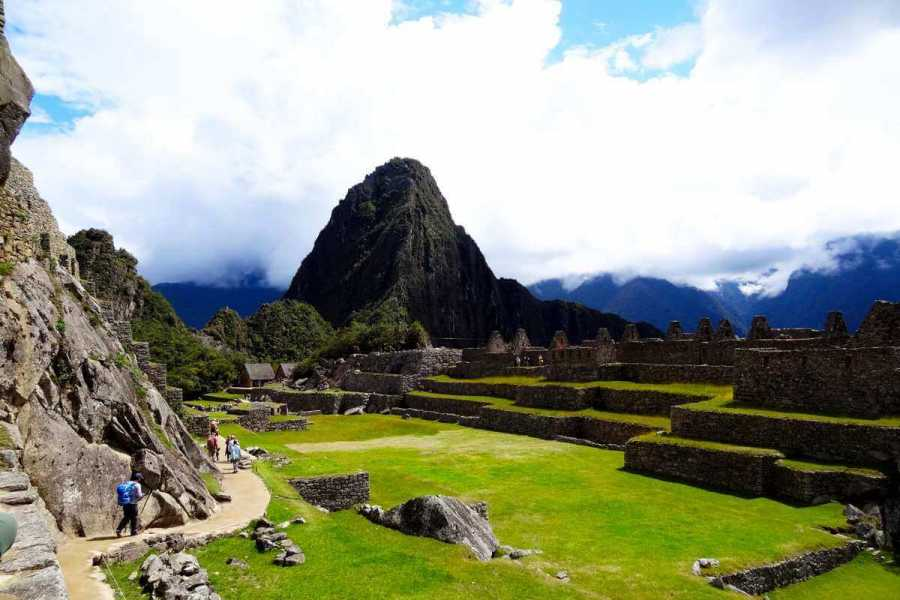 mystic lands peru Machupicchu by car 2D / 1N  2018