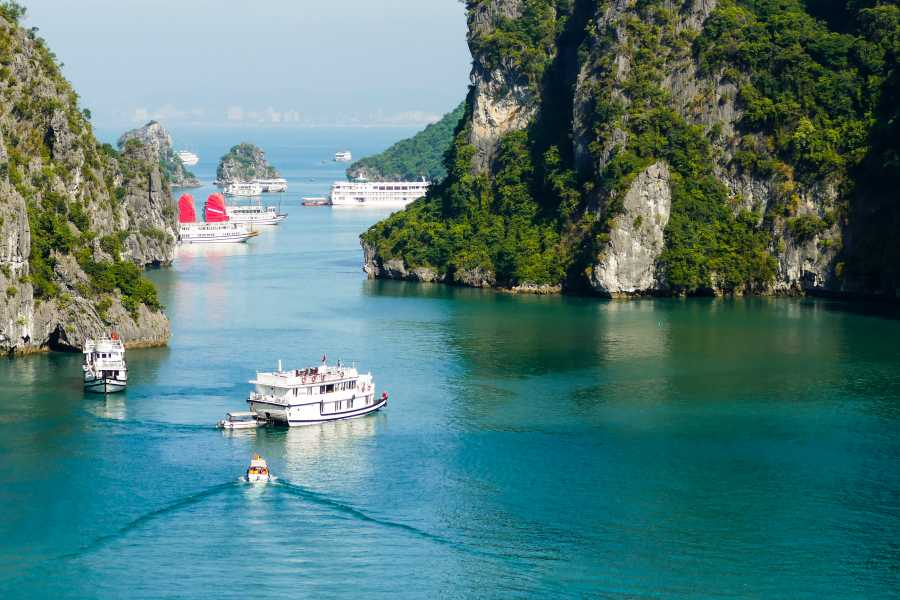 Viet Ventures Co., Ltd Hanoi Sapa Fansipan Ha Long 6 days 5 nights