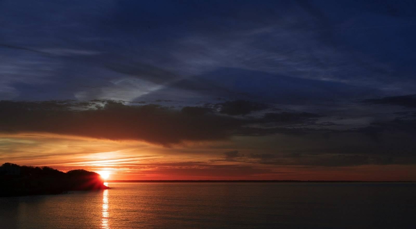 Croisière coucher du soleil en hors-bord dans le sud