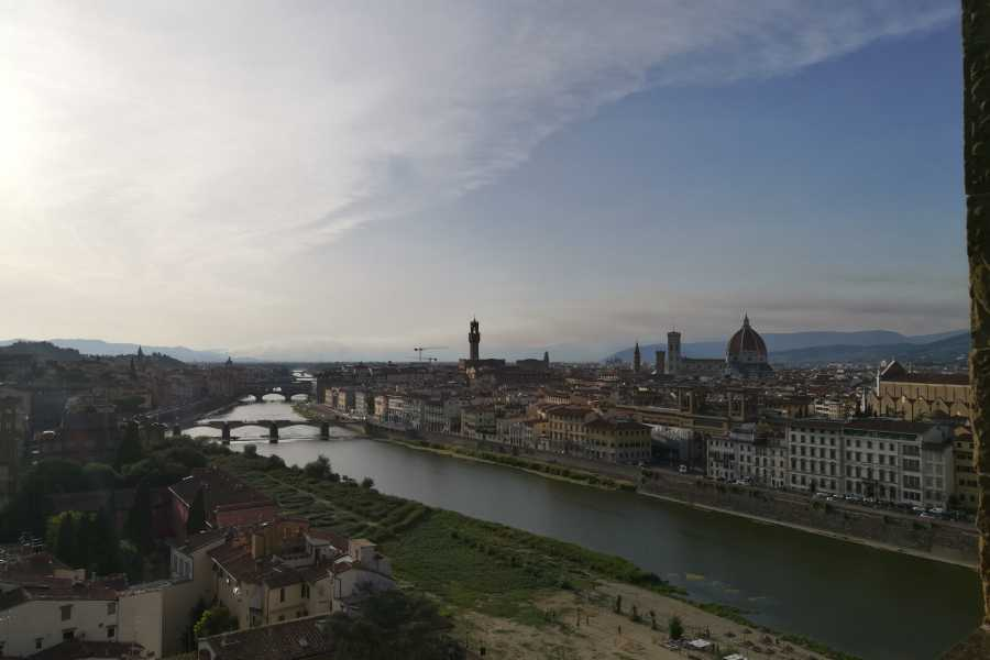 Keys of Florence Barchetto on Arno River - 1-hour cruise