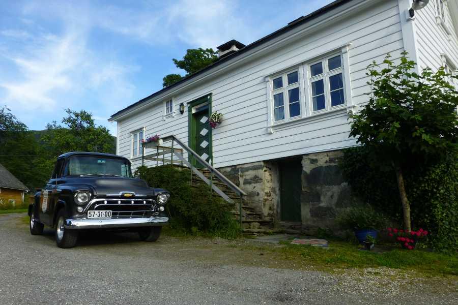 Juklafjord -Jondal Tourist Information Bakketun Overnatting