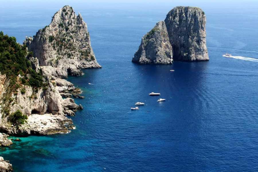 HP Travel Capri – Esperienza in barca da Napoli