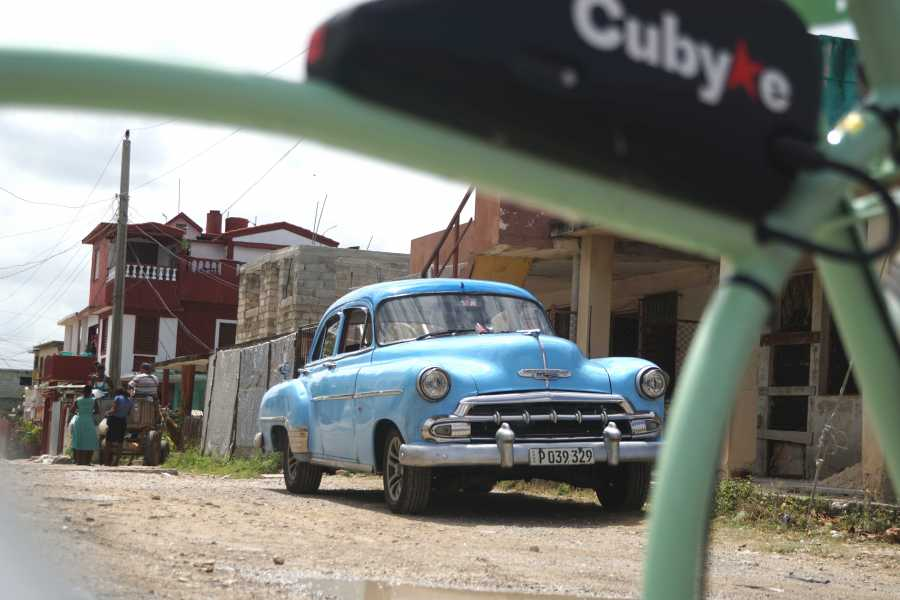 Cubyke Travel Hang like Hemingway - PRIVATE