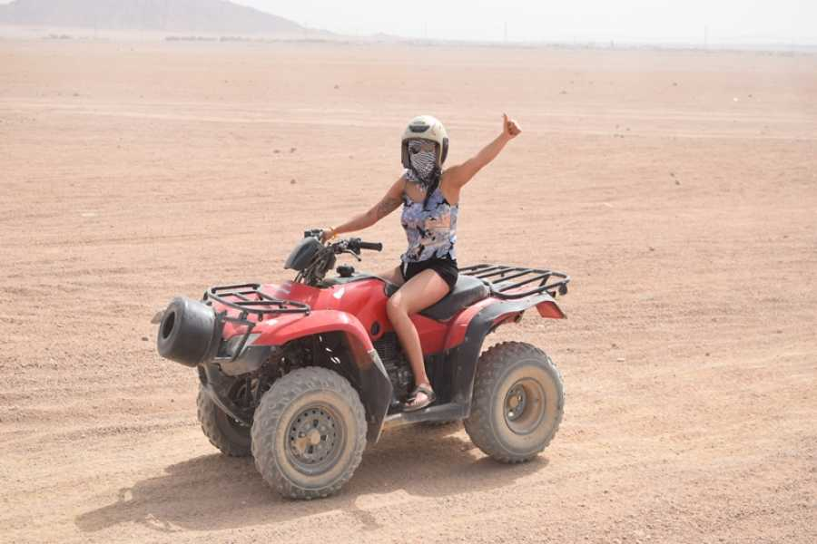 Excursies Egypte Super Desert Quad Bike Safari  tour Hurghada to Bedouin Village