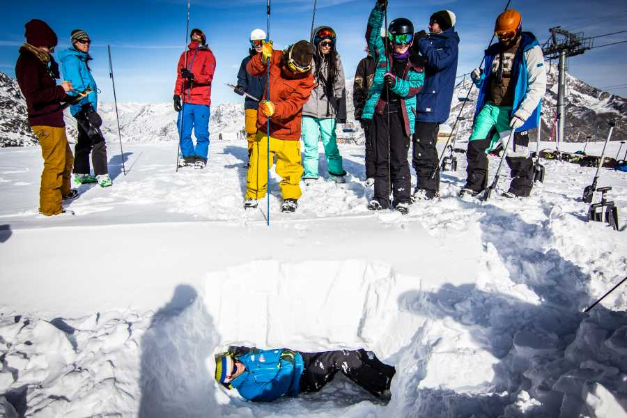 Saas-Fee Guides ISTA Avalanche Awareness Training