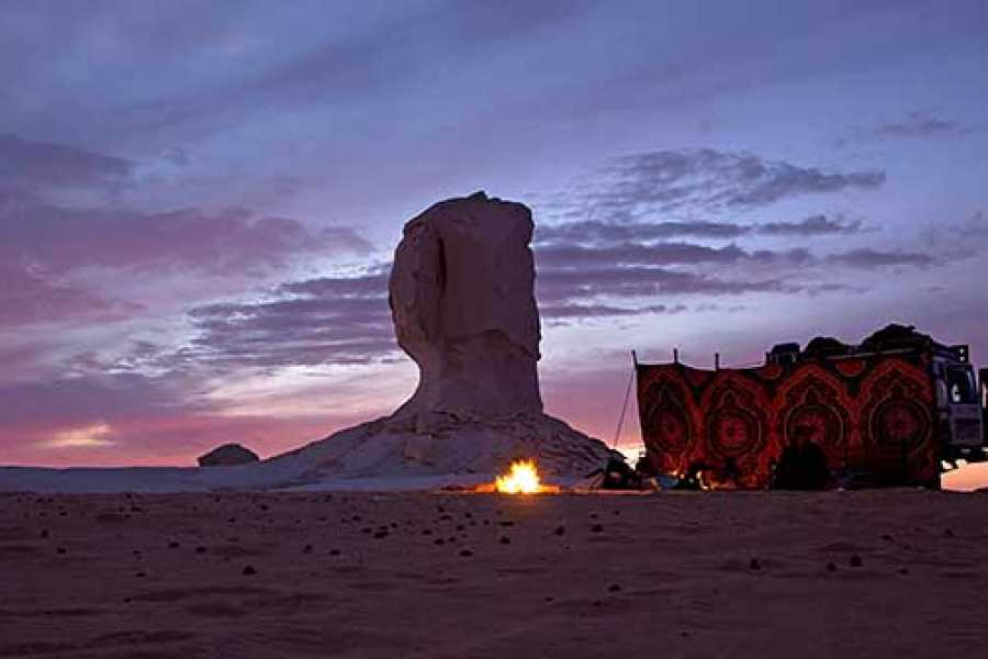 Excursies Egypte white Desert 2 days Tour from  Cairo with Camping