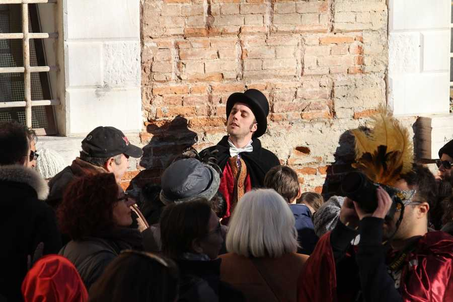 Venice Tours srl CARNIVAL TOUR - THE WALKING THEATRE SHOW (THE CODEGA) - VENICE SECRET!