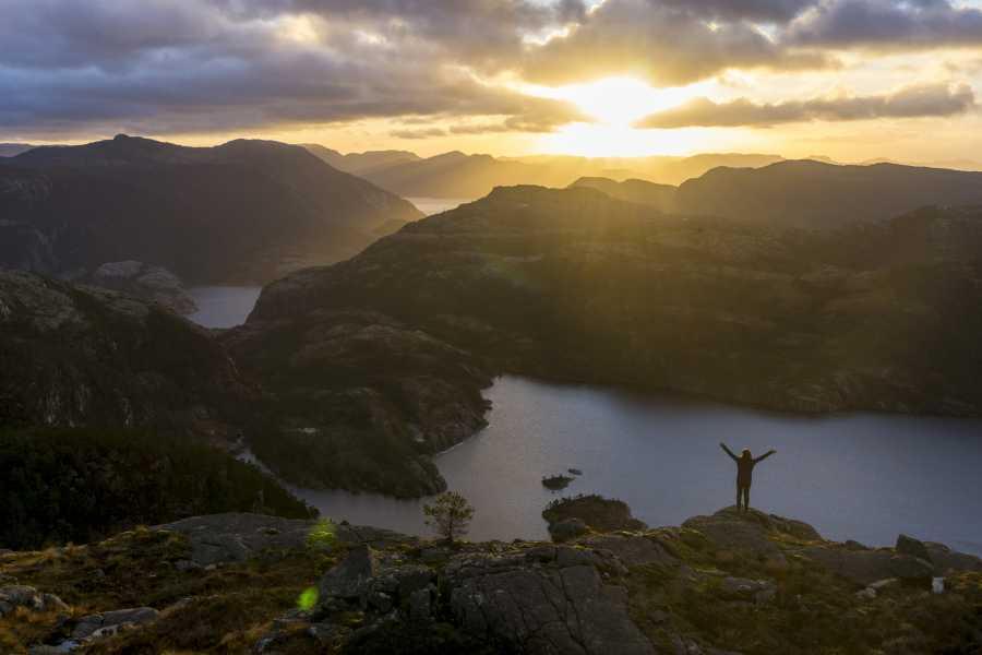 Outdoorlife Norway AS Preikestolen Autumn Cruise & Hike