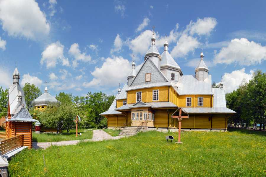 Aventour Expedition To The Verkhovyna Mountain Valleys