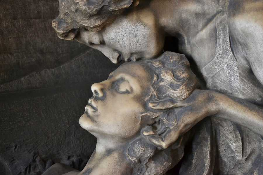 Keys of Florence The Monumental Cemetery of Milan: Discover the Unexpected