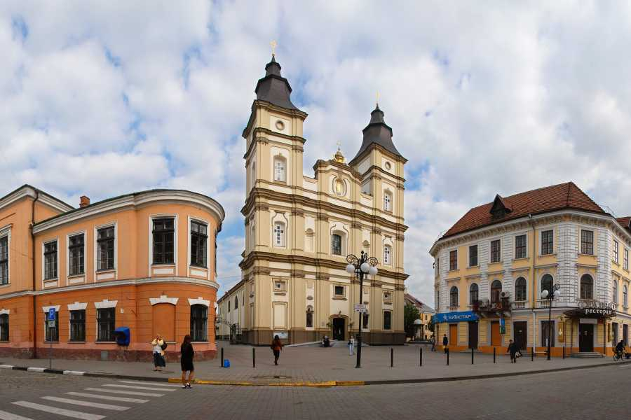 Aventour EXCURSION ALONG THE HISTORIC PART OF IVANO-FRANKIVSK