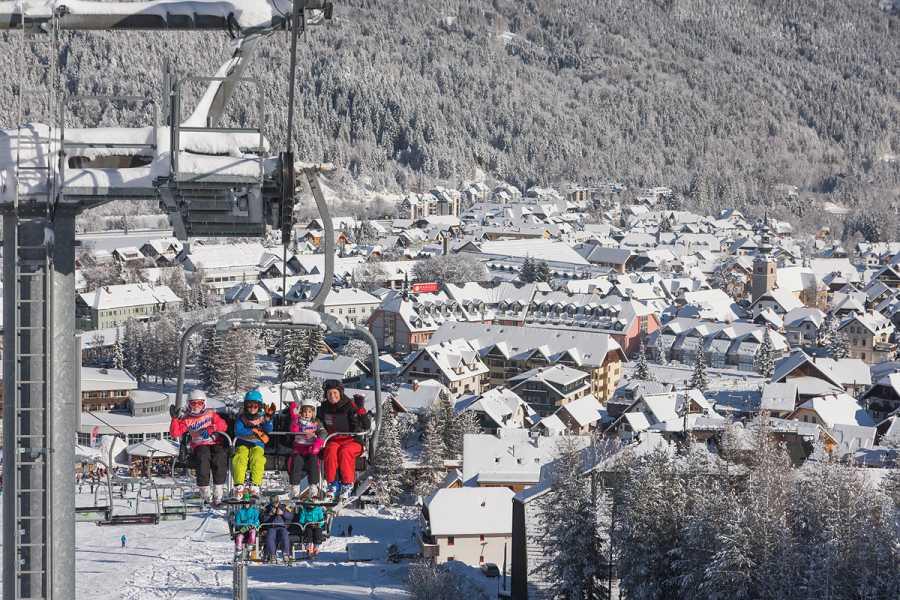 Intersport Bernik Ski package for adults