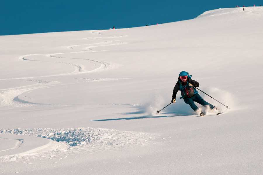 Hotel Aak Become a better skier