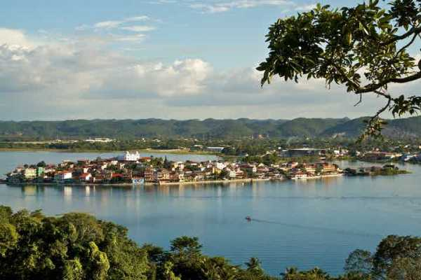 07:30 Morning Lakes, Islands, Monkeys and Museums tour