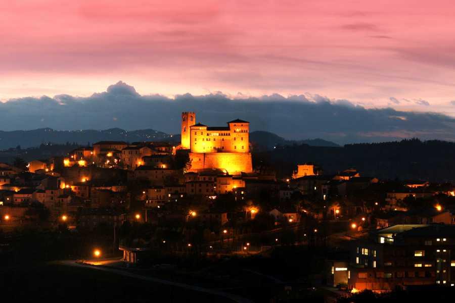 Emilia Romagna Welcome Castello Malatestiano di Longiano: Arte e Brividi