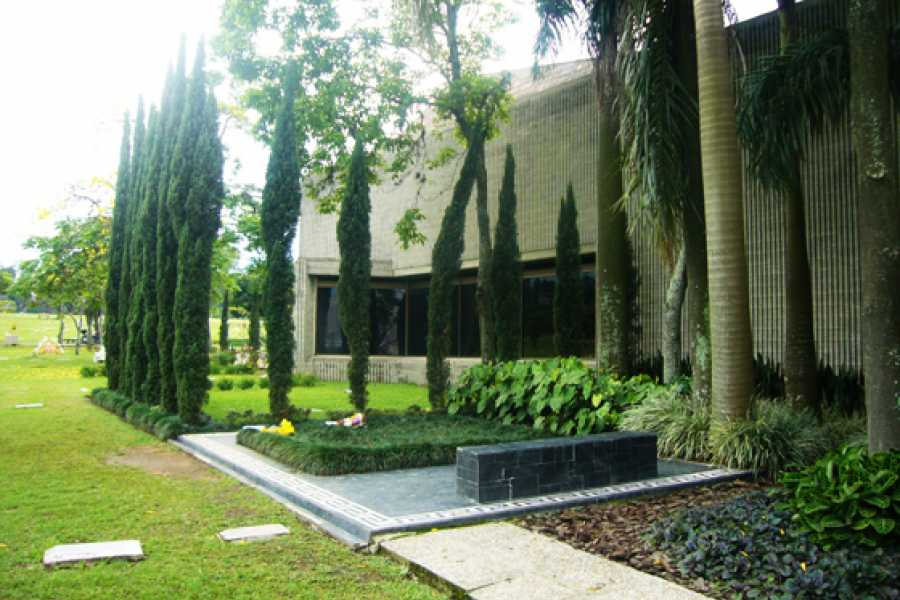 Medellin City Services Pablo Escobar Museum and the new Medellin full day tour by Carlos the excop