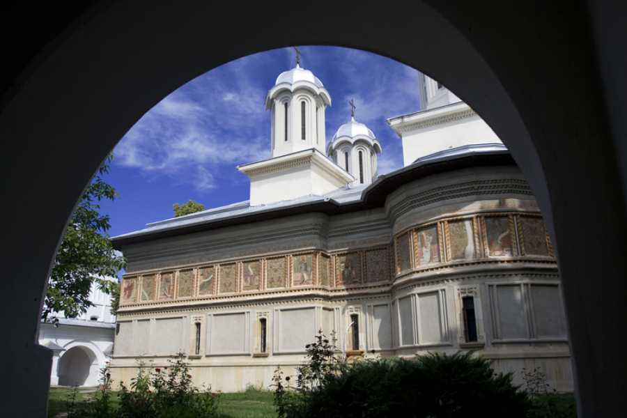 TravelMaker Mogosoaia Palace, Snagov & Caldarusani Monasteries Tour - shared - 5 hours