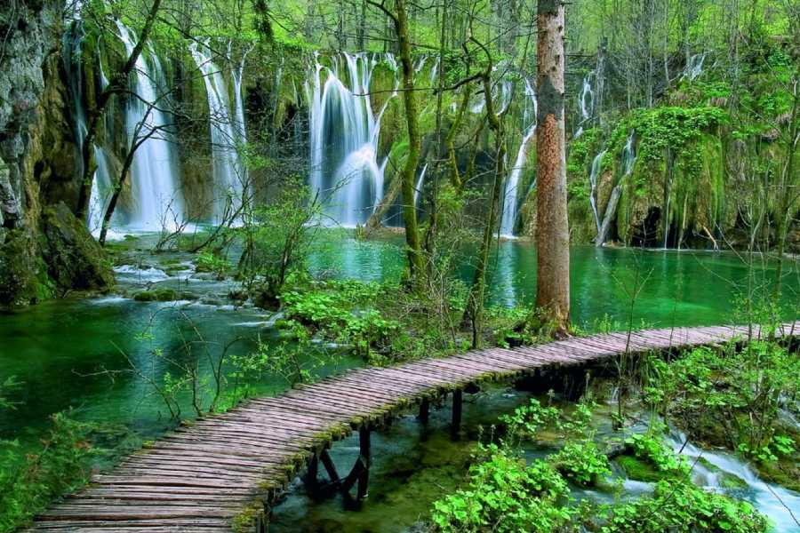 "Travel Agency"" South Tours"" Transfer from Split to Zagreb with stop in NP Plitvice Lakes"