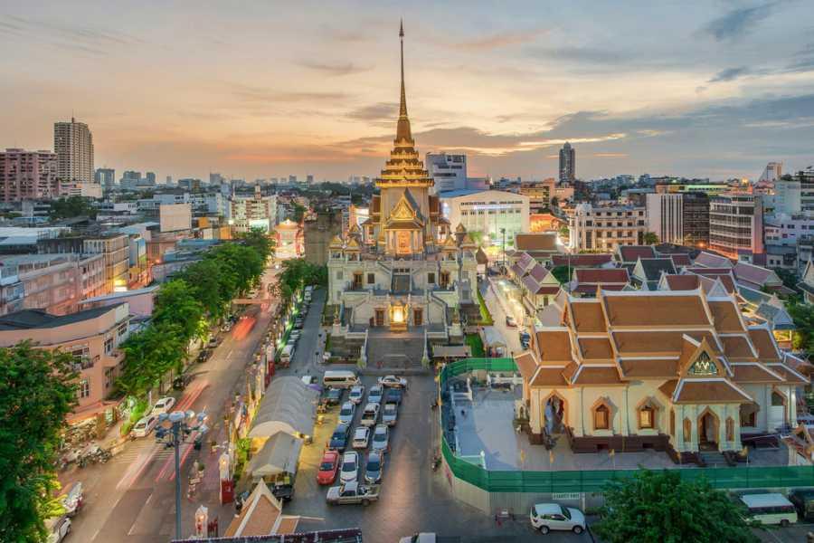 AMICI MIEI PHUKET TRAVEL AGENCY GITA PRIVATA BANGKOK A PIEDI O CON IL MINIVAN PRIVATO (AM054-AM055)