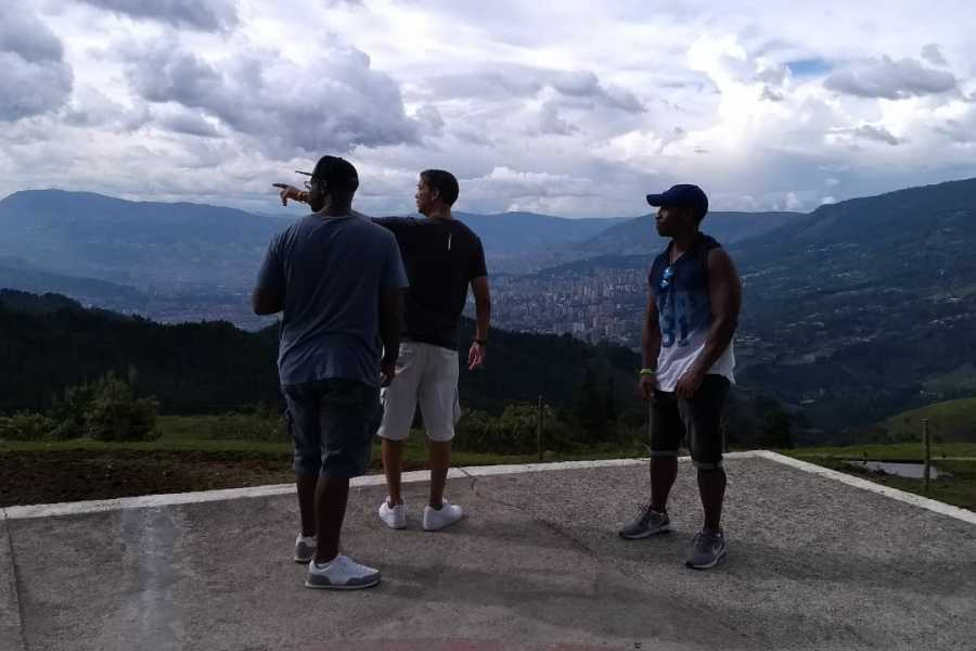 Medellin City Services Silver pack: Pablo E. Tour with c13, barrio pe, museum and memory house 10 hrs