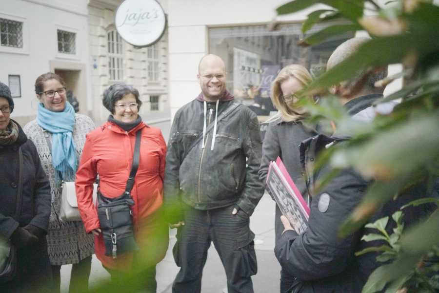 SHADES TOURS Tours guided by Homeless: Heldenplatz