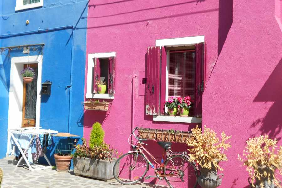 Italian Event Better STROLL AROUND BURANO AND TORCELLO WITH A LOCAL - ANDA