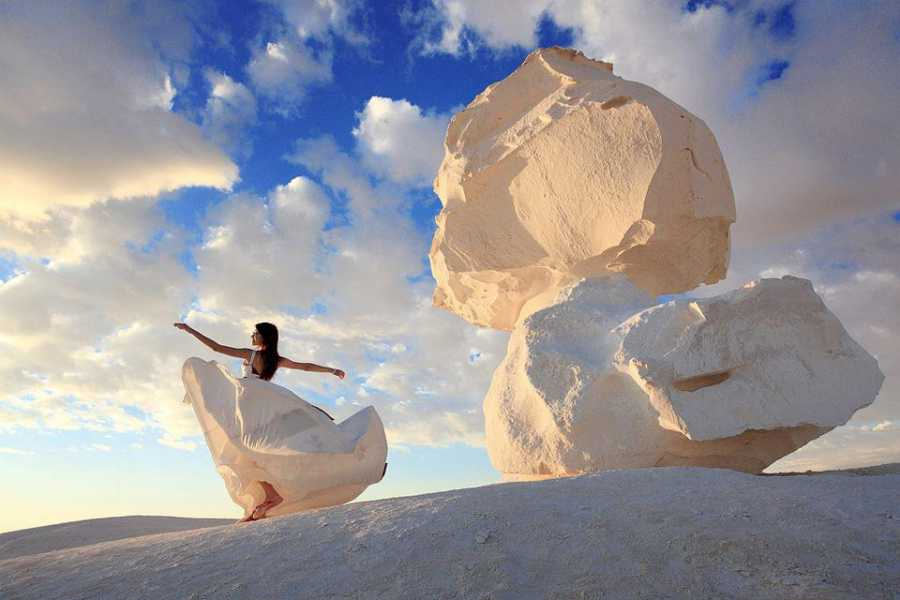 Marsa alam tours 2 days tour to white desert from Cairo